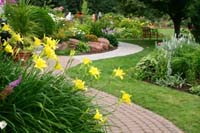 landscaping in Branford, CT (888) 275-1464